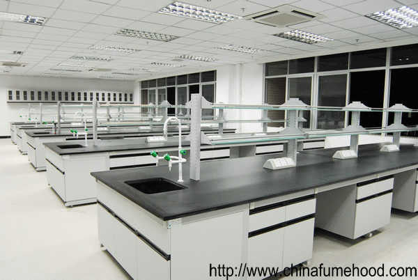 Full Steel Structure Chemical Resistant Lab Tables With Fittings For College